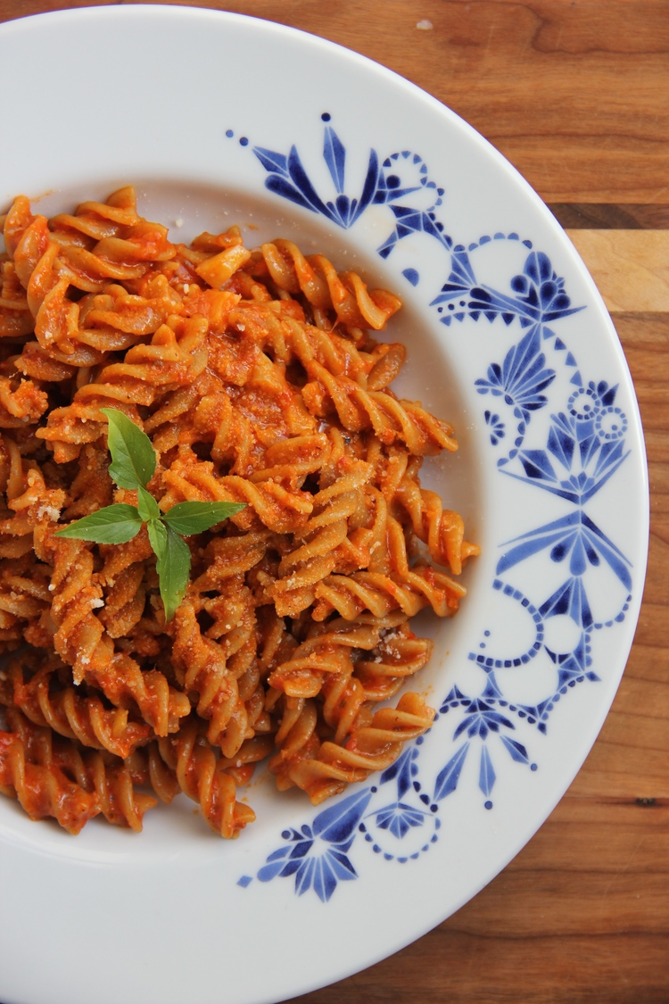 Pasta with Roasted Bell Pepper Pesto